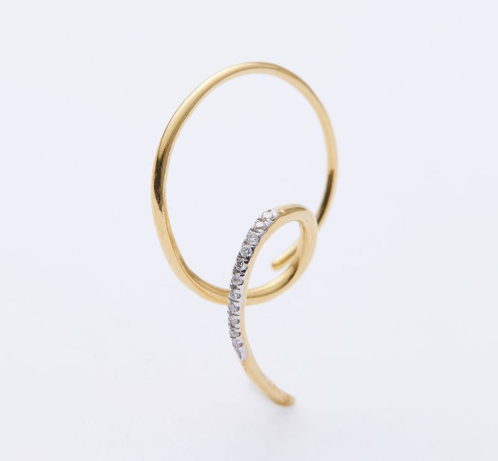 The Race Dia Pierced Earring – Yellow Gold