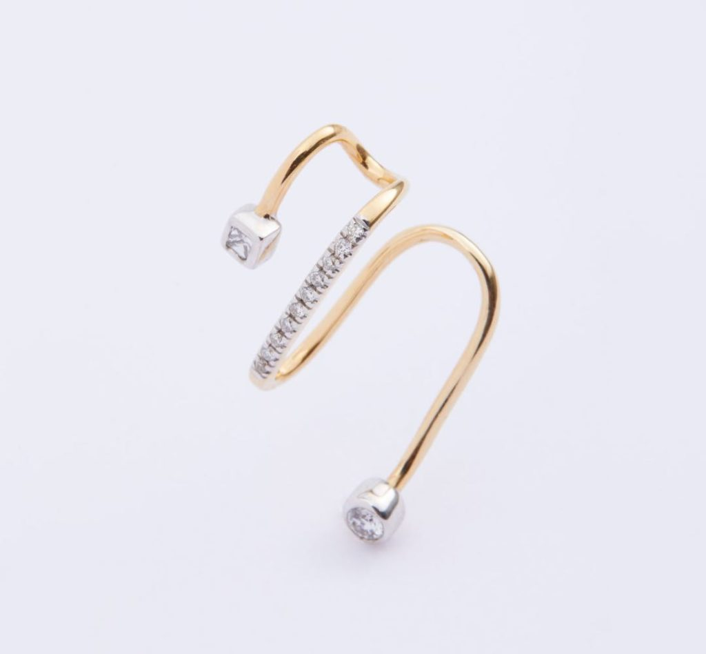 Avery Blanc Earcuff – Yellow Gold